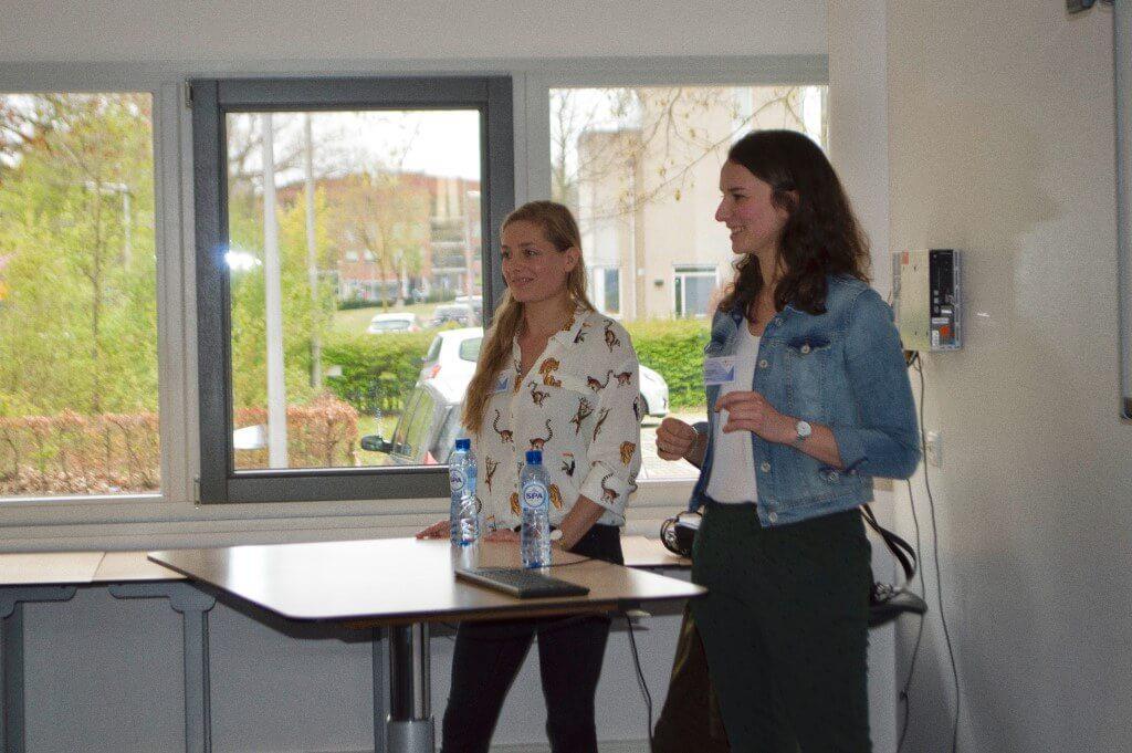 Foto Presentatie Manon En Niki Verkleind